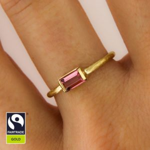 Zarter Goldring mit rosafarbenem Turmalin