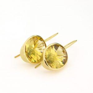 Klassische Ohrhänger mit Goldberyllen
